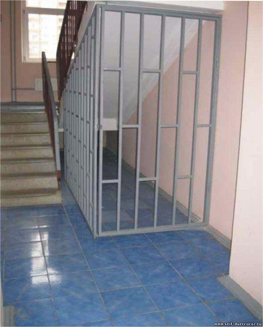 изготовление тамбурных металлических решеток в коридор